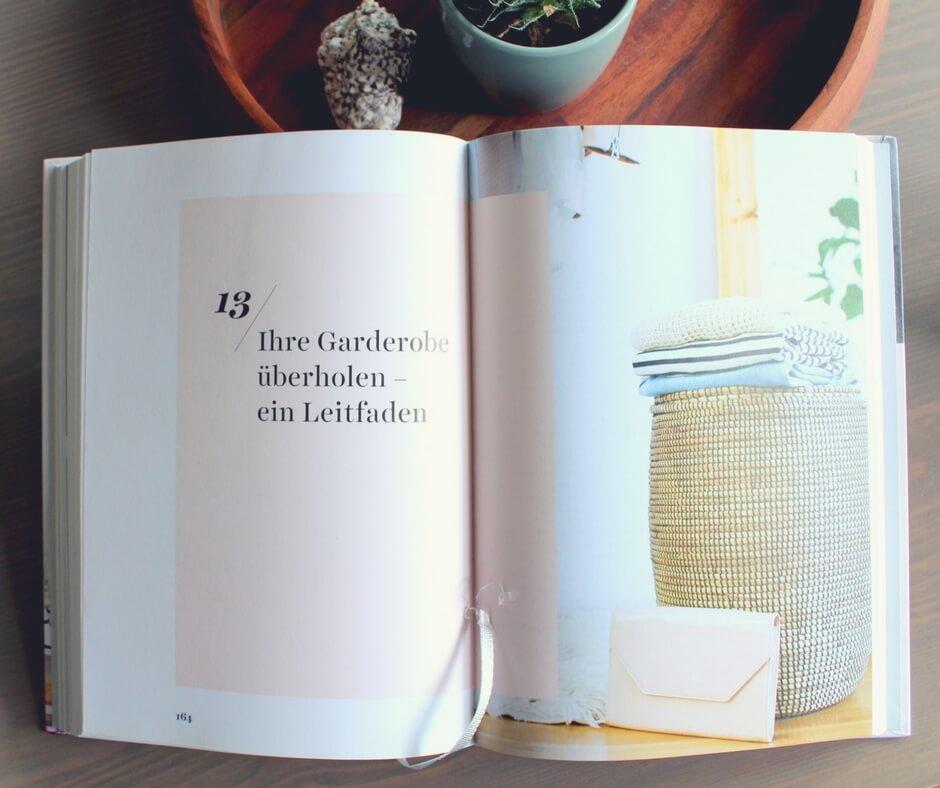 Aufgeschlagenes Kapitel 13 Ihre Garderobe überholen aus Das Kleiderschrank Projekt